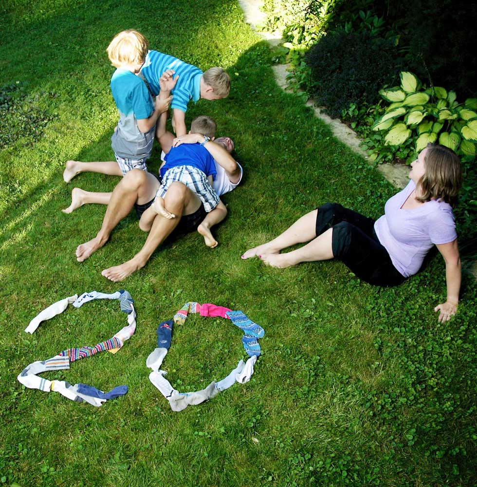 Photography portrait artist Trina Koster makes an image to celebrate a family's twentieth anniversary.
