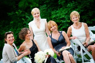 Bridal photoshoot with her family on her wedding day.